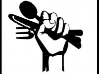 """Συλλογική κουζίνα στο προεκλογικό κέντρο της """"Αλληλέγγυας Πόλης"""""""