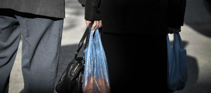 Τεράστια μείωση στη χρήση πλαστικής σακούλας