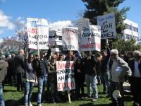 """Παρέμβαση της """"Αλληλέγγυας Πόλης"""" στην παρέλαση της 25ης Μαρτίου"""